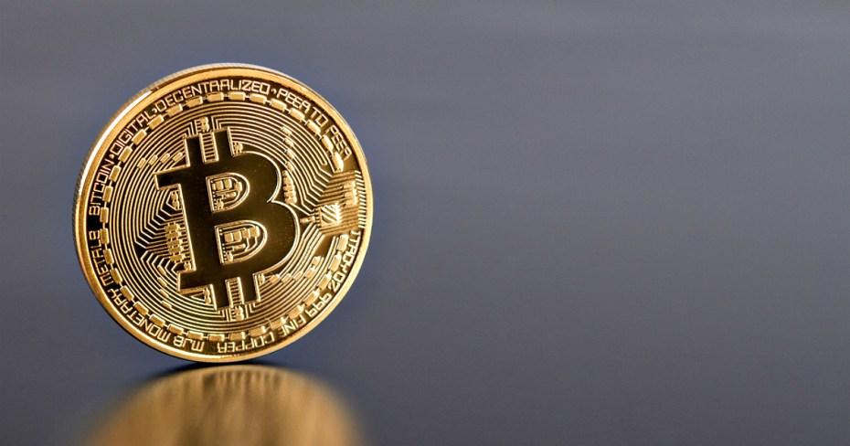 The Banking Cartel's CASHLESS Society Via BitCoin